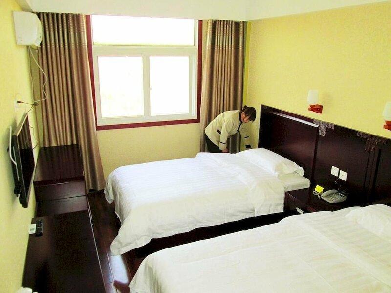 Zhengzhou Longfei Hotel