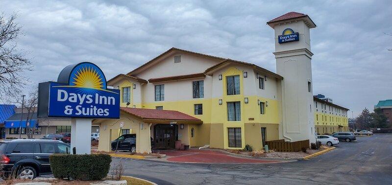 Days Inn & Suites Schaumburg