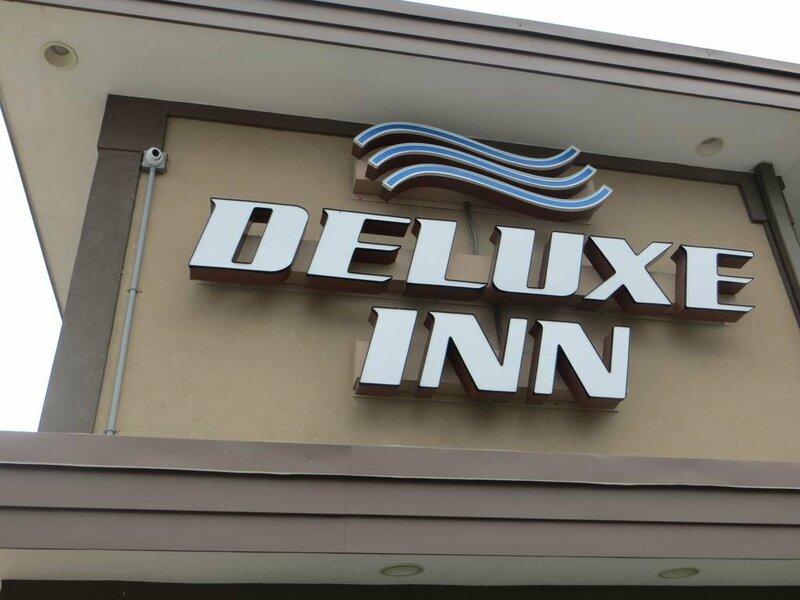 Deluxe Inn - Council Bluffs