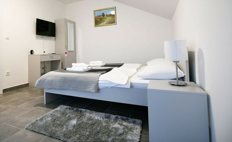Filipovic rent a car & apartments