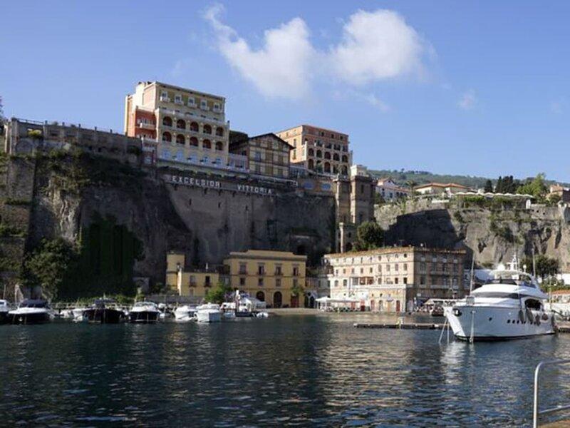 Yacht Suite Sorrento