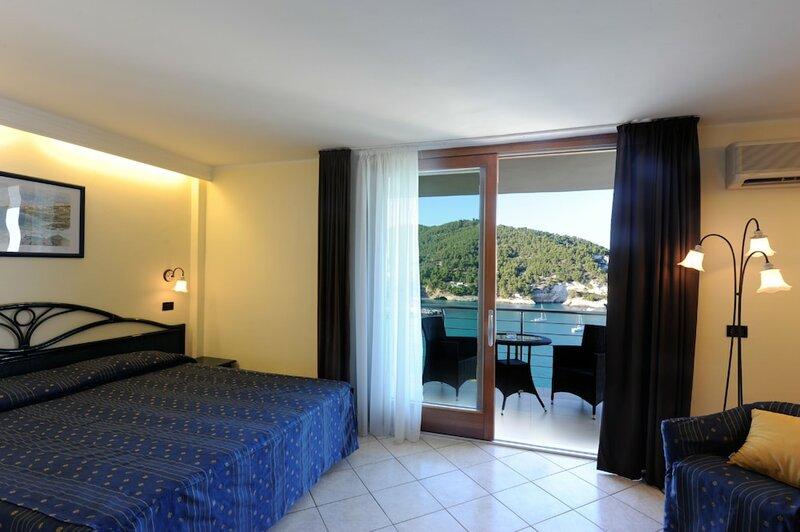Del Faro Pugnochiuso Resort