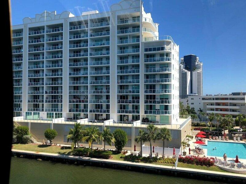Le Marina Bay 1005 by Go Florida Condo Sunny Isles