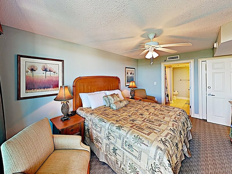 All-suite W Resort Pools - Steps To Beach! 2 Bedroom Condo