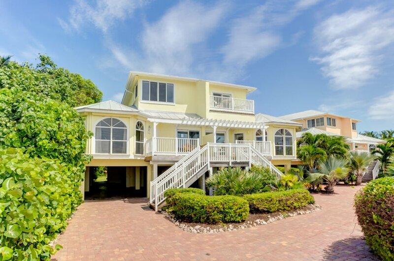 Ark-Captiva Beach Villas
