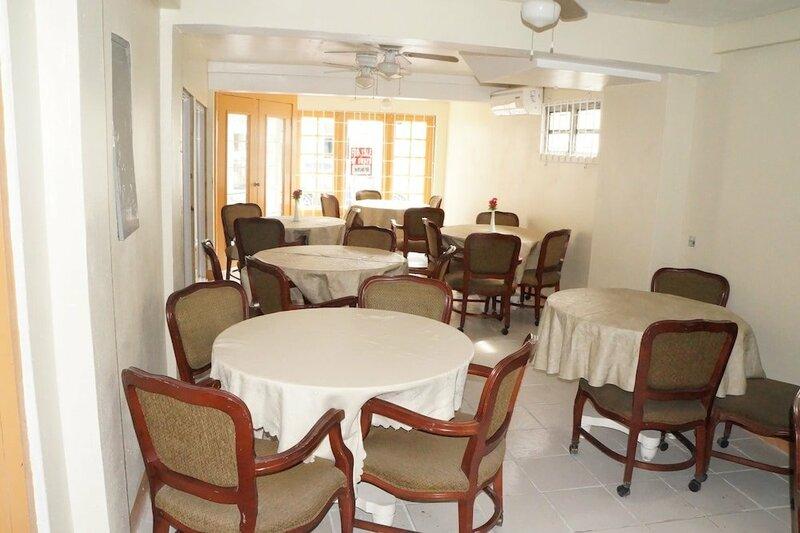 Glimbaro's Guest House