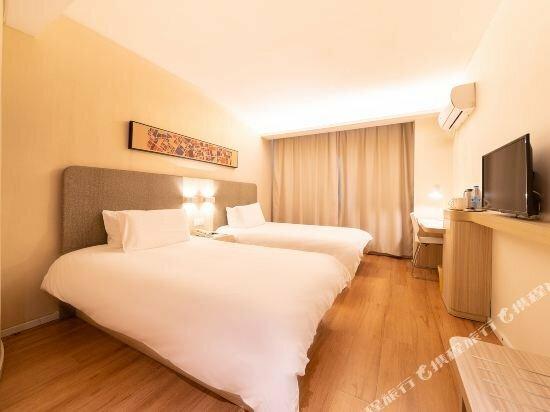 Hanting Hotel Zhuhai Gongbei Port