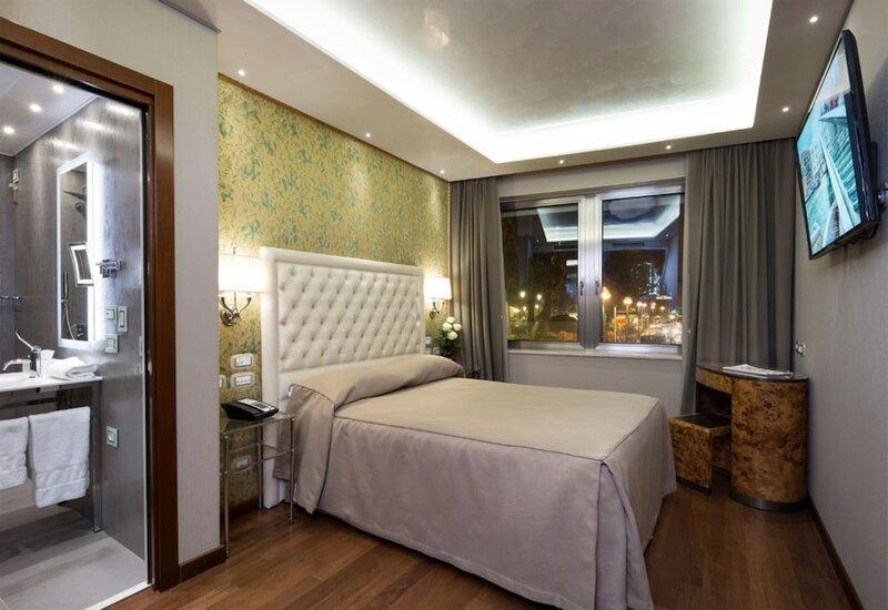 Santa Chiara Hotel & Residenza Parisi