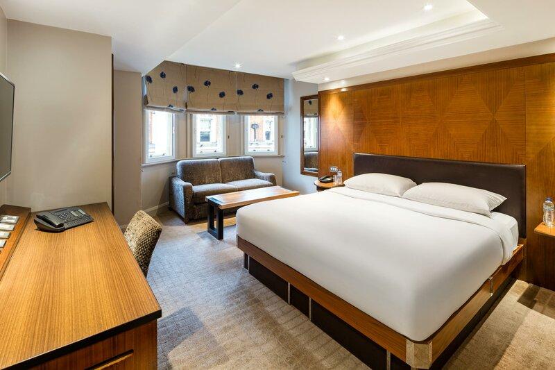 Отель Radisson Blu Edwardian Kenilworth, London