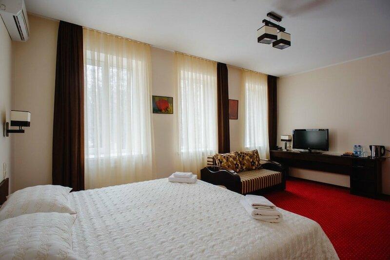 Отель Hotel 12