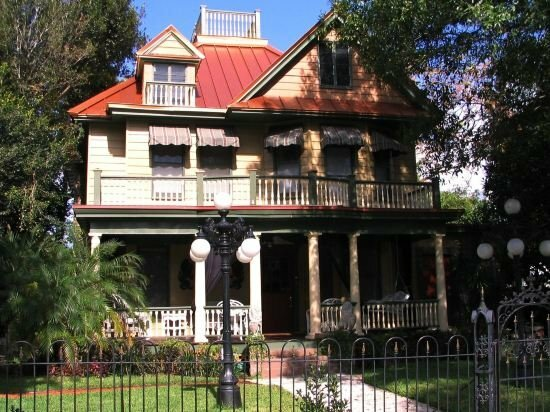 Larelle House Bed and Breakfast