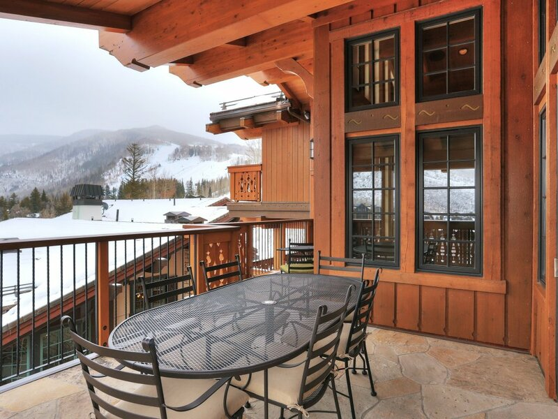 Luxury & Location: Mountainside 5Br Chalet in Vail Village