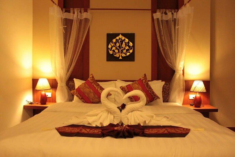 Patong Hemingway's Hotel