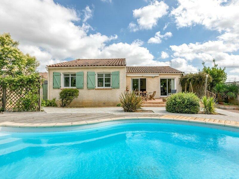 Inviting Villa in Saint-nazaire-d'aude With Garden