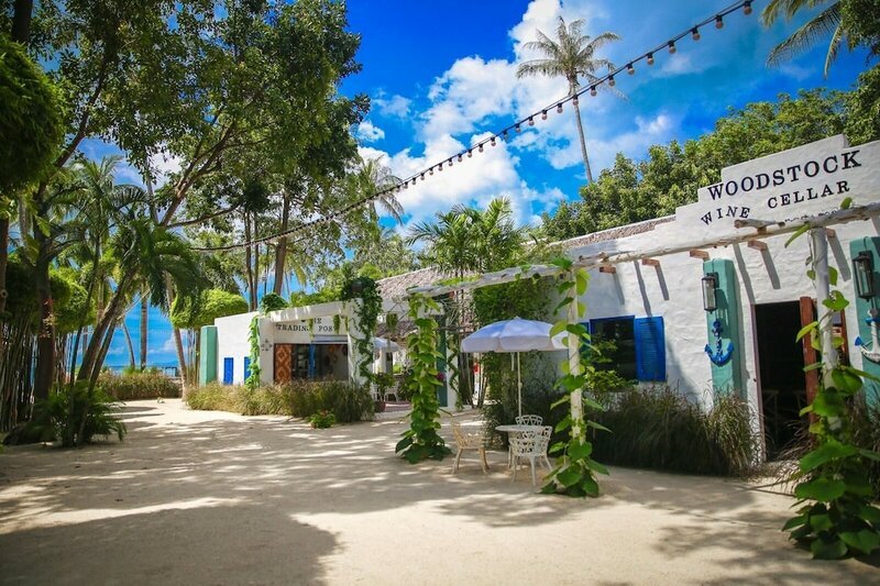 Lime & Soda Beachfront Resort
