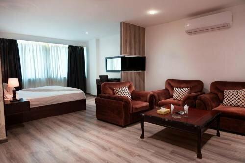 Joude Hotel