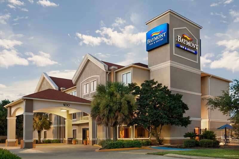 Best Western Clute Inn And Suites