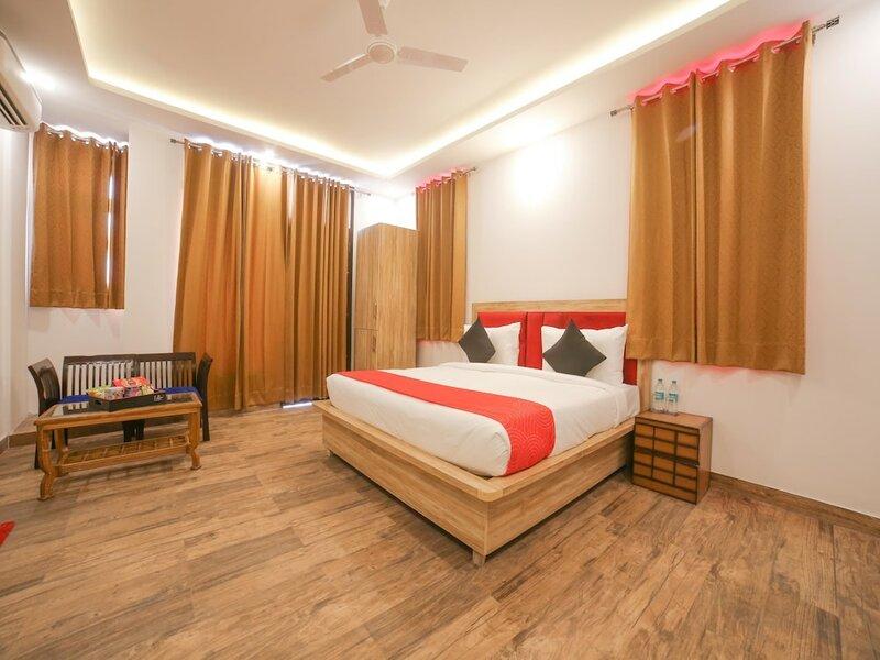 Collection O 30076 Main Chhatarpur Road Asola