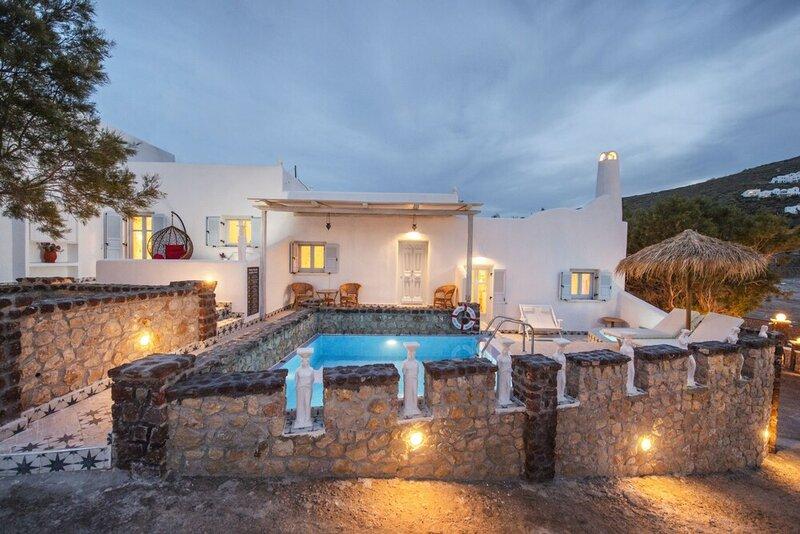Starlight Luxury Seaside Villa & Suites