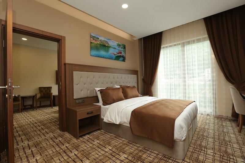 Grand Mela Hotel