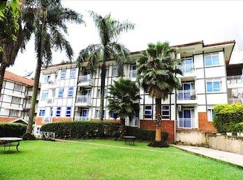 Mosa Court Suites