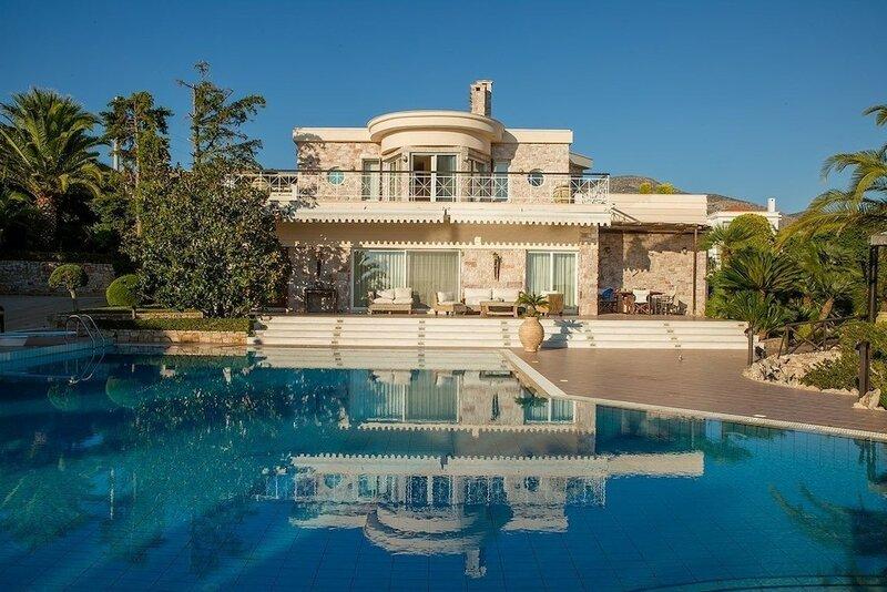 Beautiful pool Villa Sparta in Lagonissi Athens