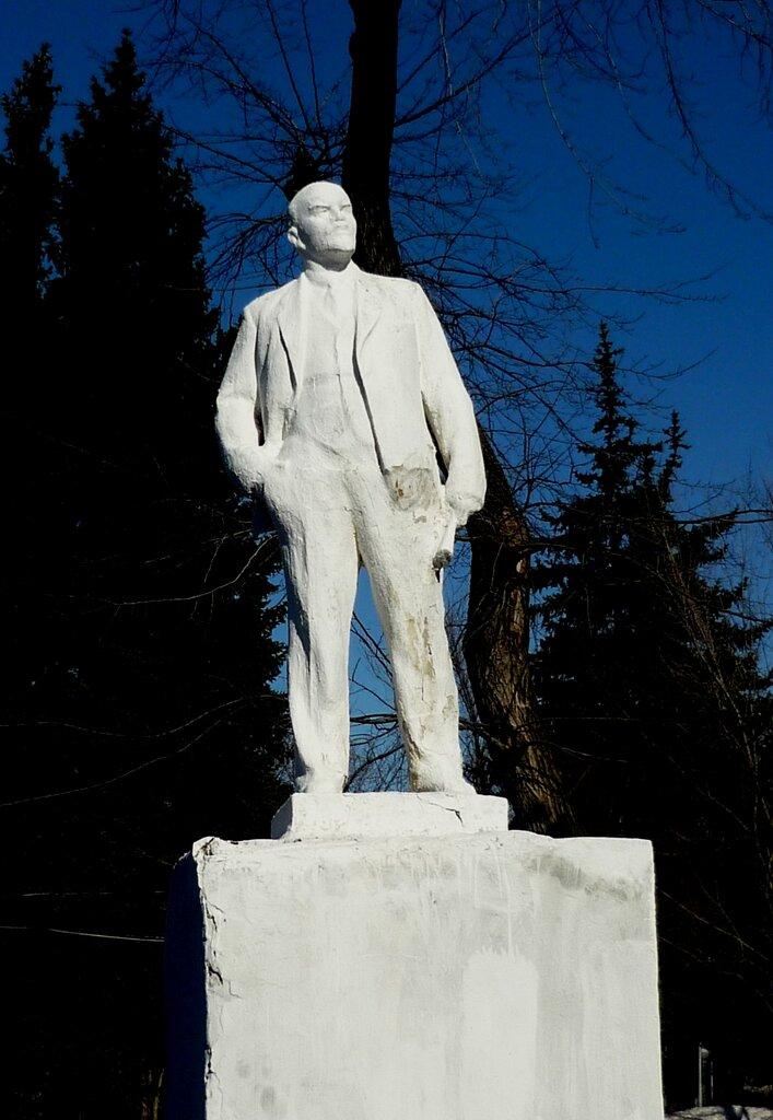 Маклок памятник ленину фото