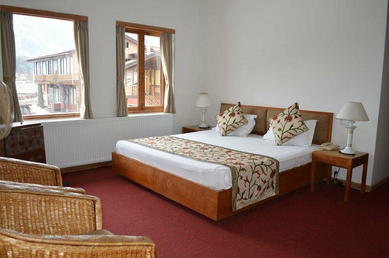 Aksa Resort Pahalgam