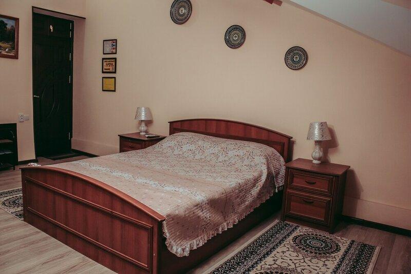 Navnihol Gold Hotel