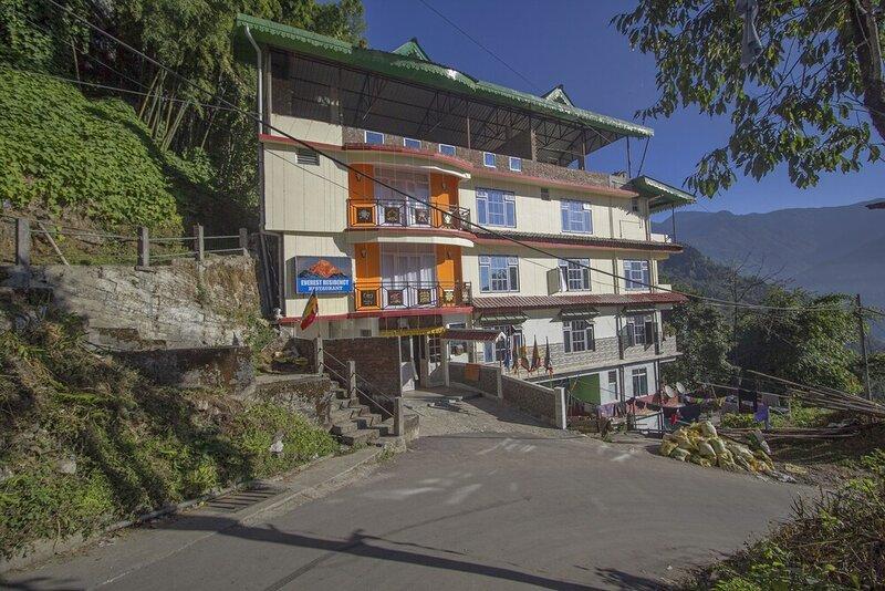 Oyo 24247 Hotel Everest Mansion