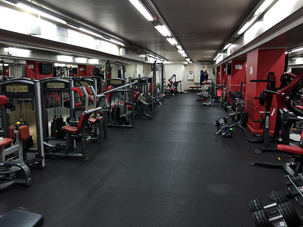 Олимпия москва фитнес клубы отфистили в ночном клубе