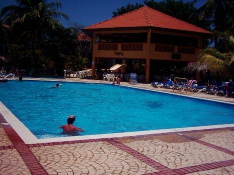 Dorado Club, Hotetur
