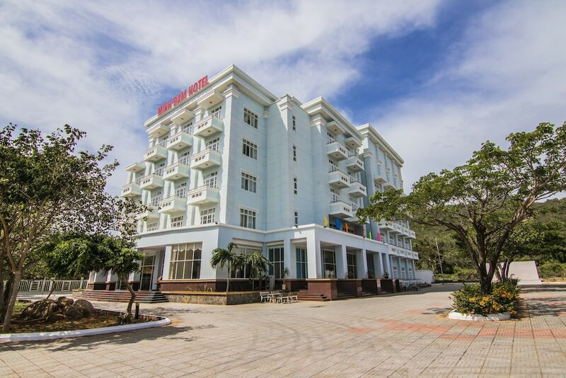 Minh Dam Hotel & Restaurant