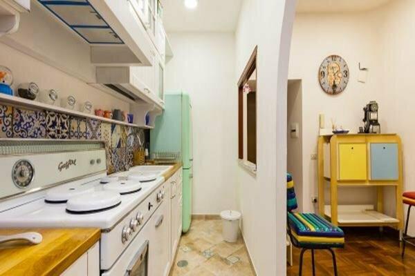 Apartment - Corso V. Emanuele VI Bh 90