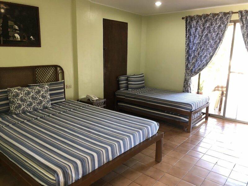 Lago de Oro Hotel