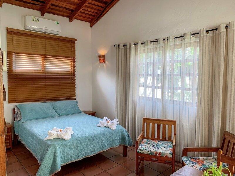 Ola Bonita BeachFront Apart Hotel