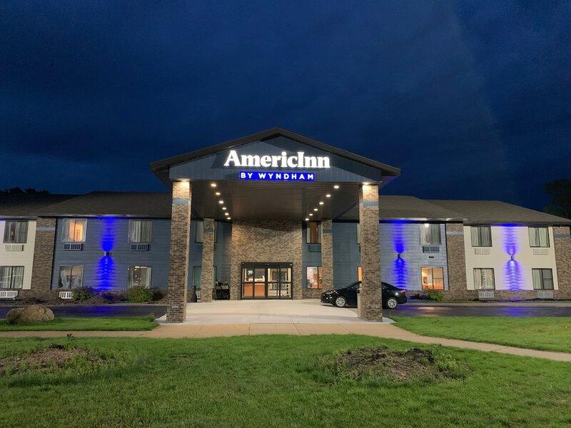 AmericInn by Wyndham Prairie du Chien