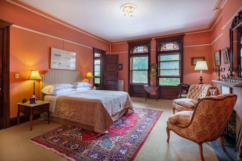 Luxurious Suites in a Manhattan Mansion