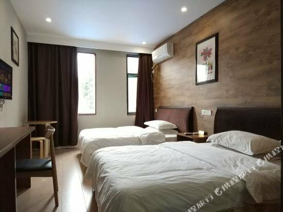 Laojie Hotel