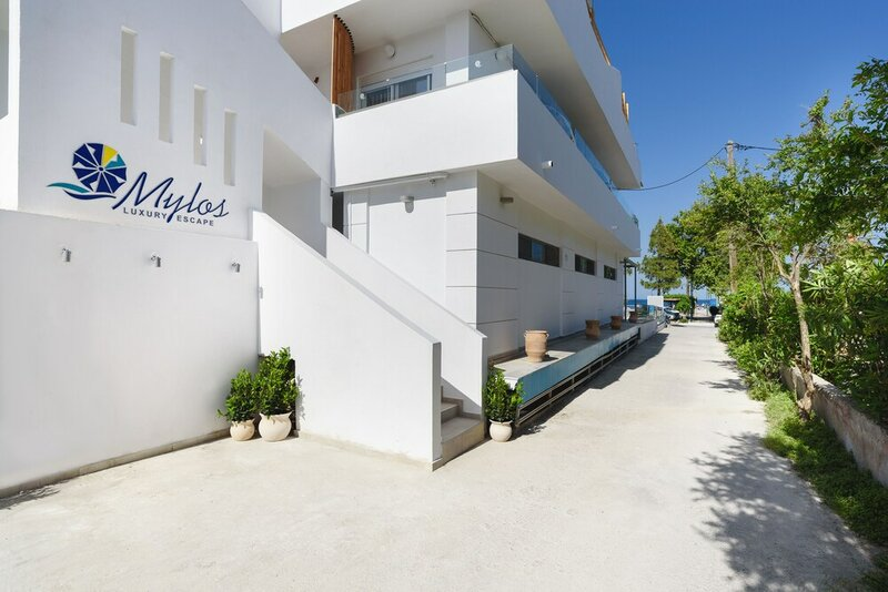 Mylos Luxury Escape