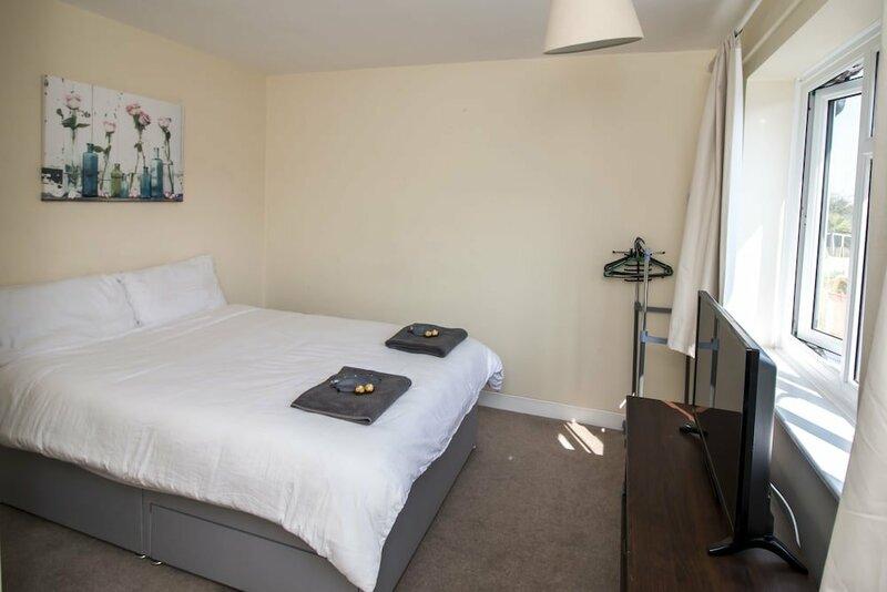 Elegant Rooms in a Quiet Location