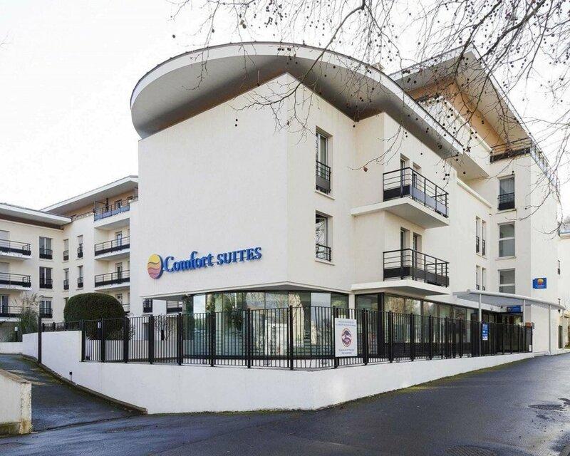 Comfort Suites Port Marly Paris Ouest
