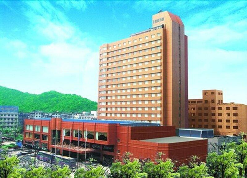 New Century Zhejiang Xiaoshan Hotel