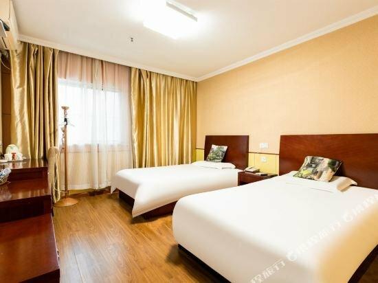Maner Hotel