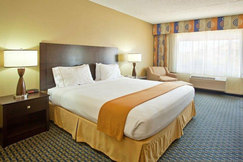 Holiday Inn Express & Suites Phoenix/Chandler, an Ihg Hotel