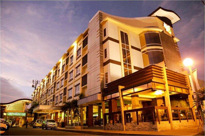 Mo2 Westown Hotel and Resort