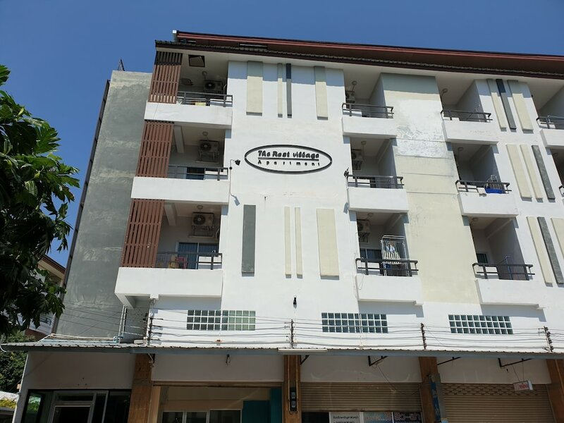 Oyo 974 The Rest Village Apartment
