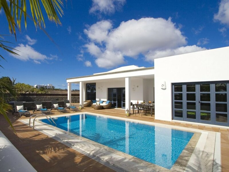 Villa With 3 Bedrooms in Playa Blanca With Private Pool Furnished Terrace and Wifi - 500 m From th