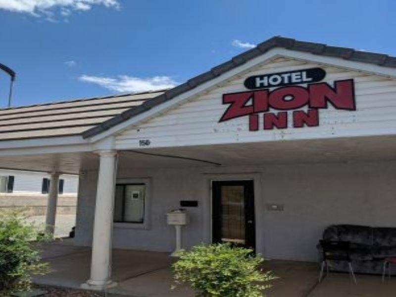 B. W. Zion Park Inn