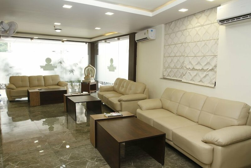 Hotel Mercury Residency